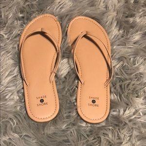 Shade & Shore Flip Flops